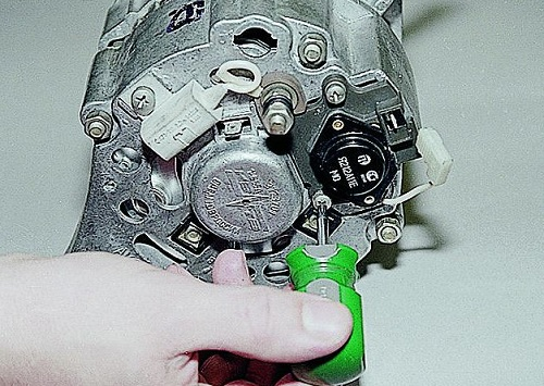 Замена реле генератора