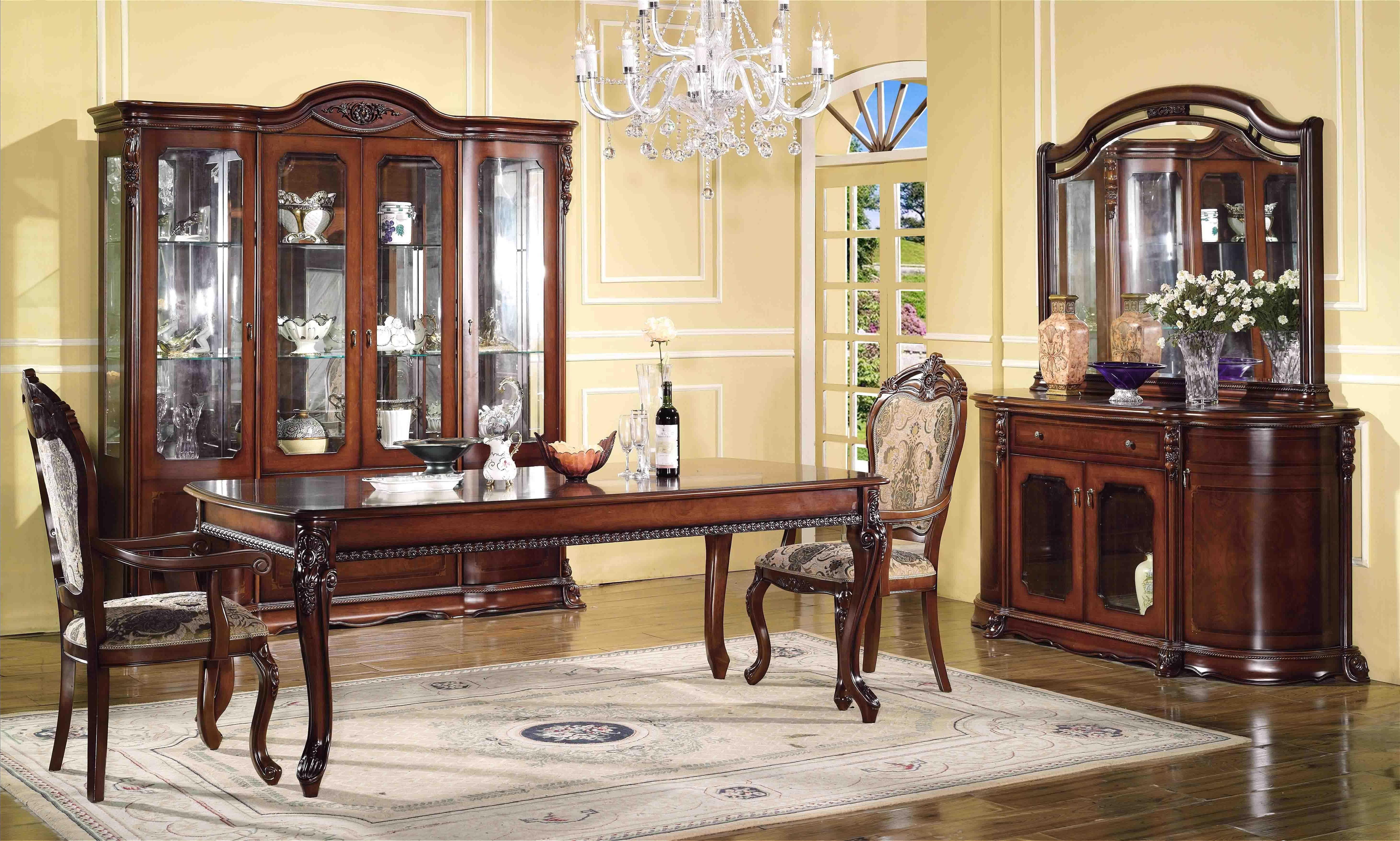 Как оформить гостиную в классическом стиле?