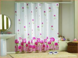 Как сделать шторы для ванной своими руками?